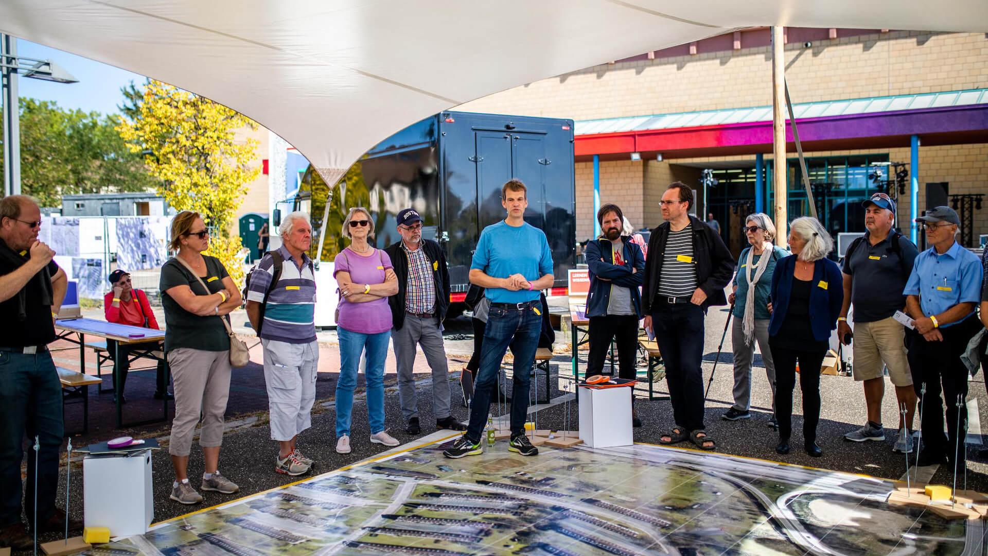 Workshop mit Bürgerinnen und Bürgern zur Zukunft des neuen Stadtteils auf dem Gelände des PHV im September 2019.  © Dittmer