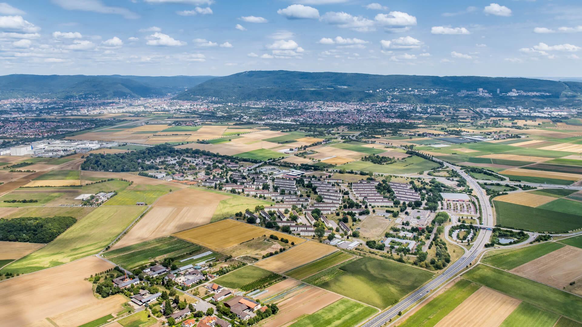 Im Herbst 2019 schließen die Stadt Heidelberg und die BImA eine gemeinsame Vereinbarung zur baulichen Entwicklung von PHV ab. © Lossen